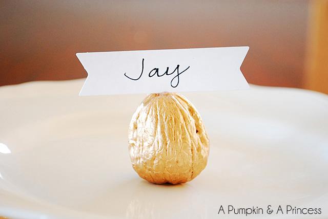 Thanksgiving Place Card Ideas: Metallic Walnuts
