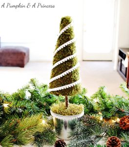 DIY Moss Christmas Tree