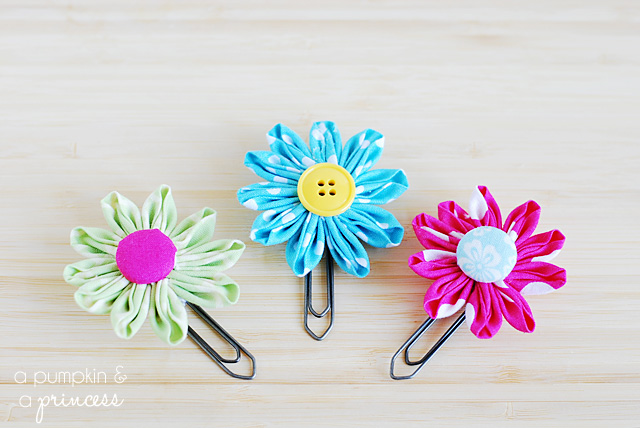 How to make flower paper clips
