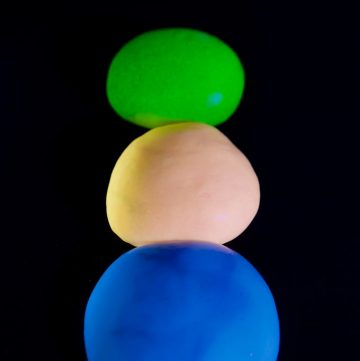 DIY Glow in the Dark Slime