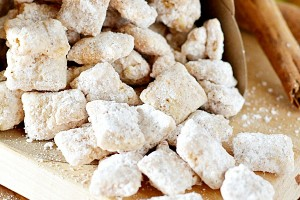 Apple Pie Muddy Buddies