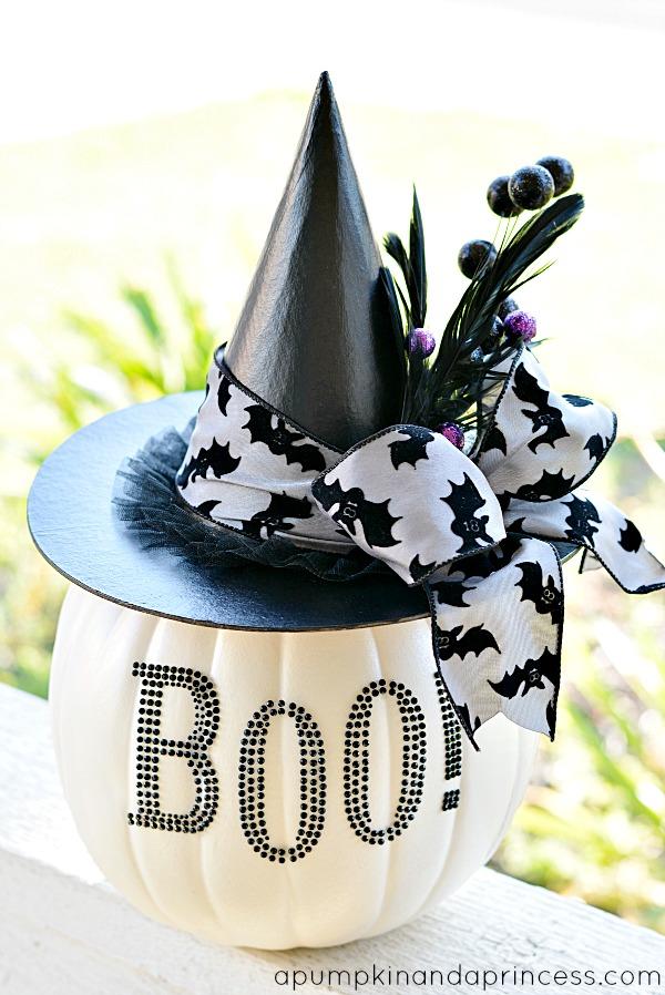 black and white halloween decor
