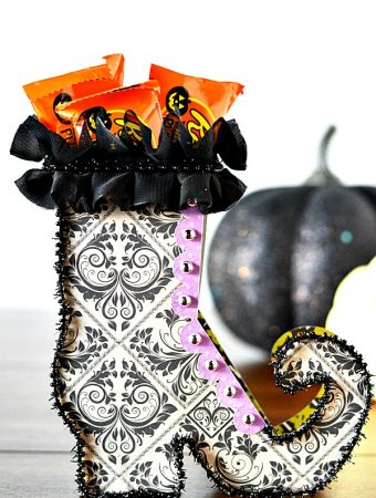 Witch Shoe Party Favors