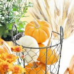 Decorating with pumpkins - fall tablescape