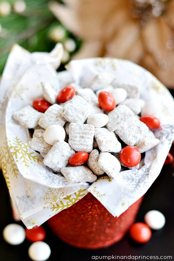 Peppermint Muddy Buddies