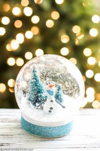 Olaf Waterless Snow Globe