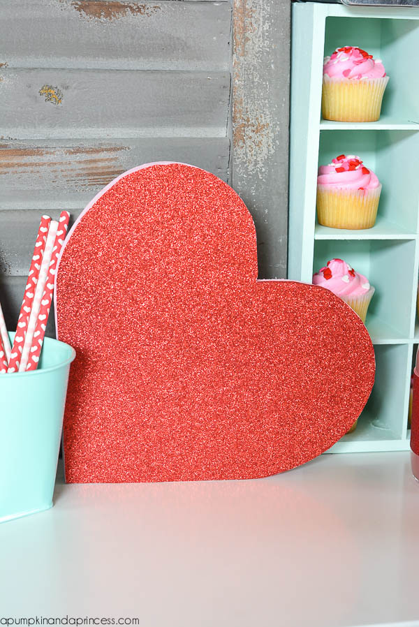 DIY Glitter Heart_