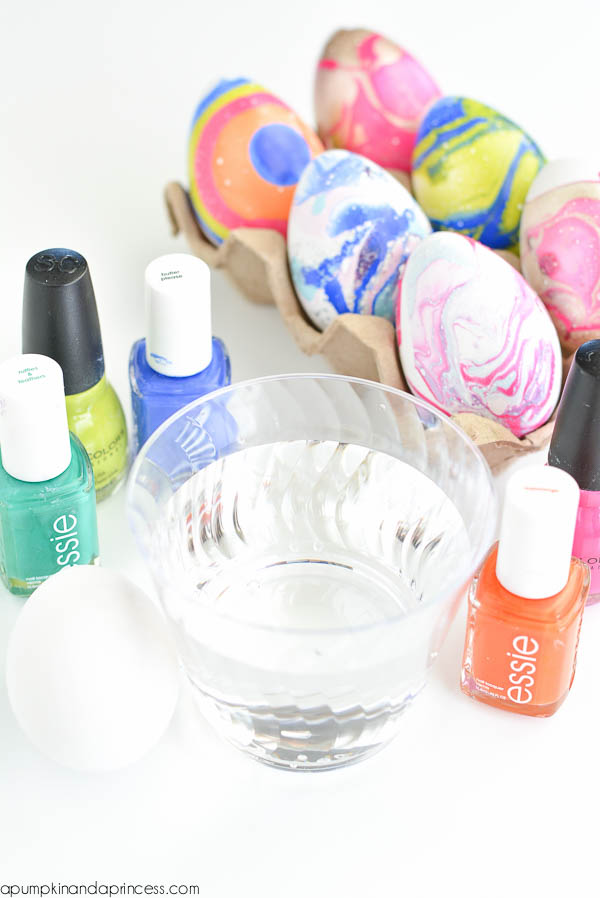 How to marble eggs - nail polish tutorial