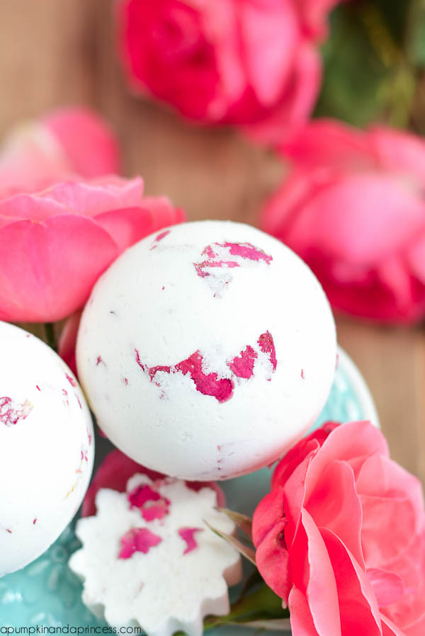 DIY Rose Bath Bomb