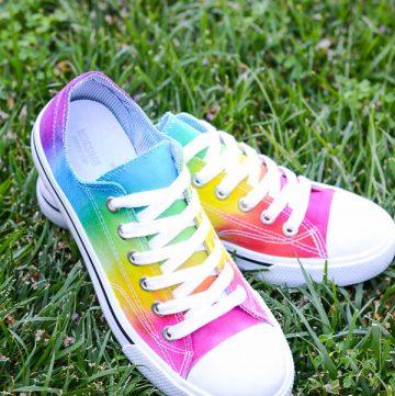Colorful tie-dye shoes diy