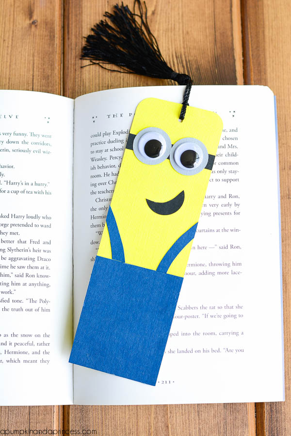 Diy Minion Bookmarks A Pumpkin And A Princess