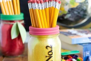 pencil mason jar