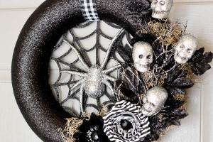 DIY Spider Web Halloween Wreath