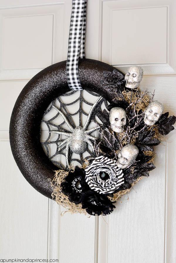 DIY Spider Web Halloween Wreath Design