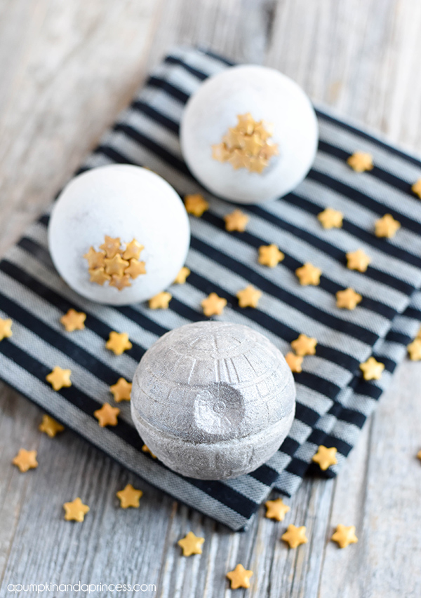 How to make a Star Wars Death Star bath bomb