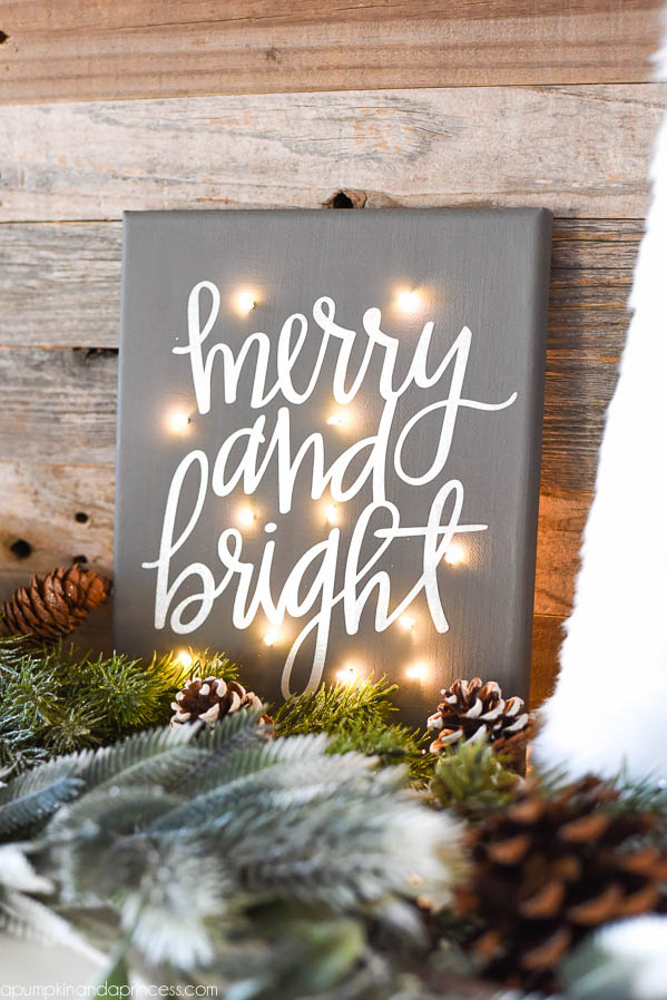 DIY Twinkle Light Christmas Canvas - how to make a Merry & Bright Christmas canvas with