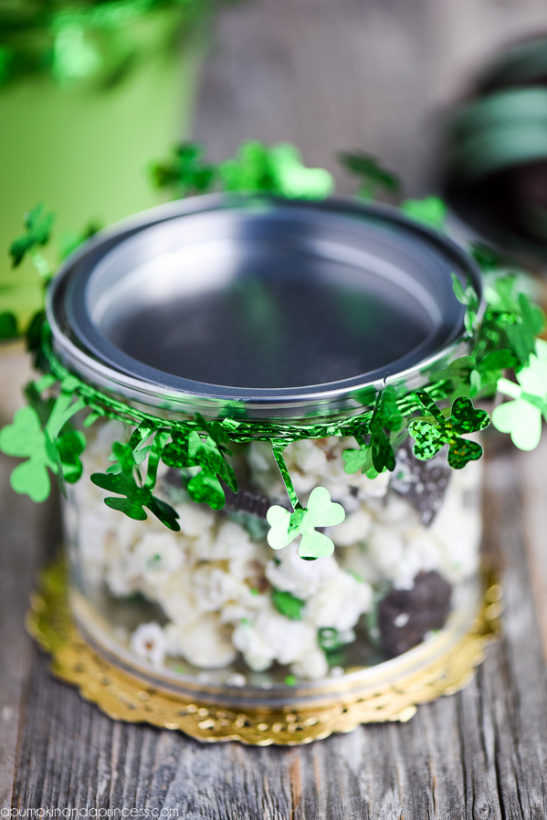 Mint Oreo Chocolate Popcorn - white chocolate covered popcorn made with mint Oreo cookies and shamrock sprinkles. Great St. Patrick's Day treat!