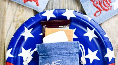 4th of July S'mores Kit - Create mini 4th of July s'mores kits for your patriotic party with denim treat bags and glitter heat transfer vinyl