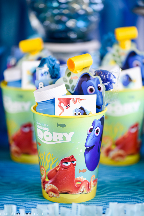 Finding Dory Party Ideas – easy DIY Finding Dory treats, party favors, and decorations.