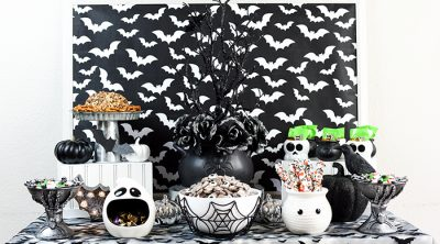 Black and white theme Halloween party ideas – Halloween treats, decorations and You've Been Boo'd gifts.