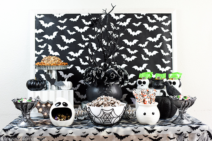 black and white theme halloween party ideas u2013 halloween treats decorations and youu0027ve - Black And White Halloween Party