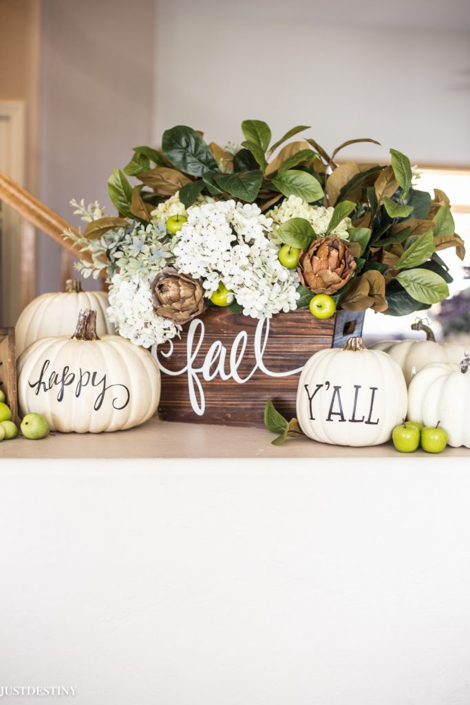 happy-fall-yall-pumpkin-decor