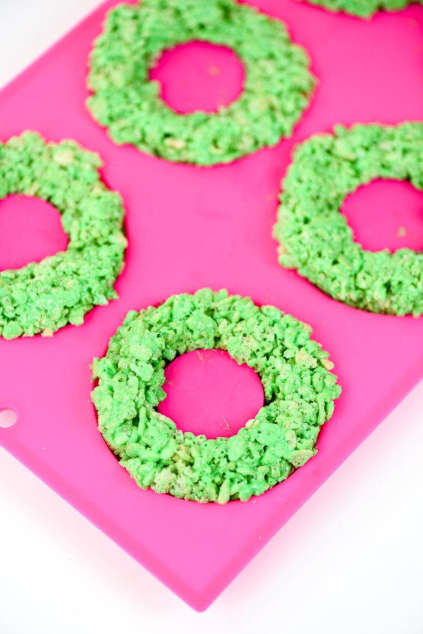 rice krispies wreaths a holiday spin on the classic rice krispies treats recipe kids