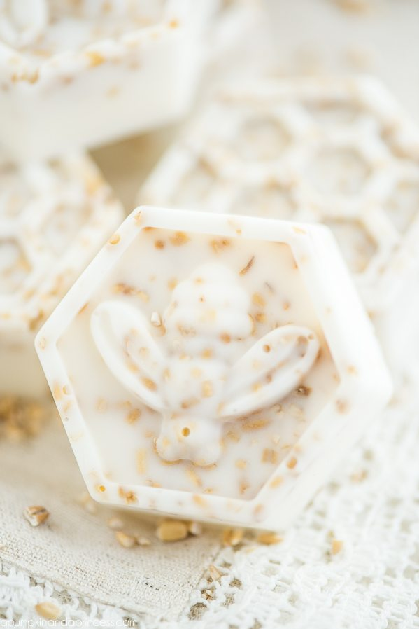 Handmade honey & oatmeal soap made with vanilla essential oil in a bee and honeycomb shape.