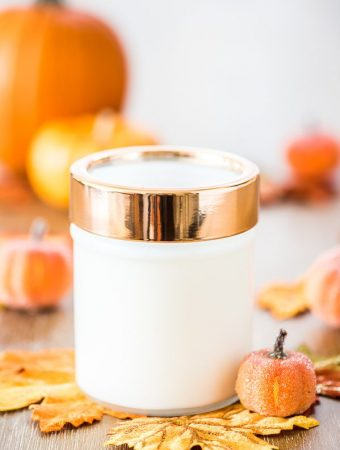 DIY Pumpkin Spice Candle – how to make pumpkin spice candles for fall. This candle makes a great handmade gift idea!