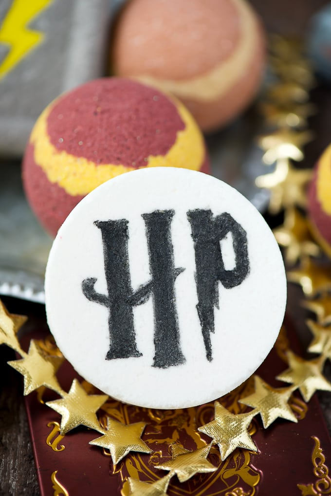 This DIY Harry Potter bath bomb is easy to make and a great handmade gift idea