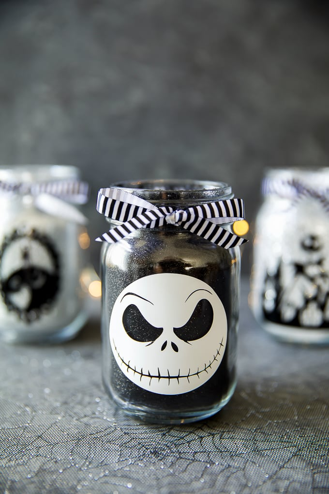 DIY Jack Skellington Mason Jar Luminaries
