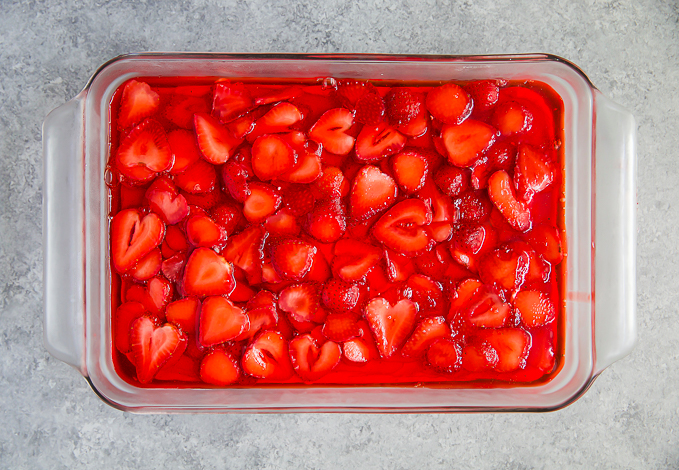 old fashioned strawberry pretzel salad
