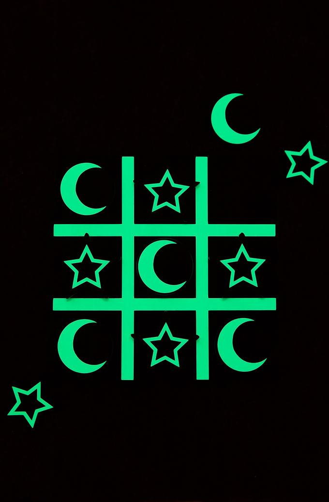 Glow in the Dark Tic Tac Toe DIY