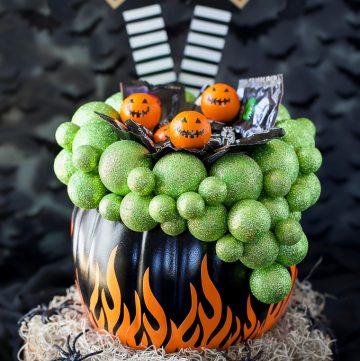 How to make a pumpkin candy holder