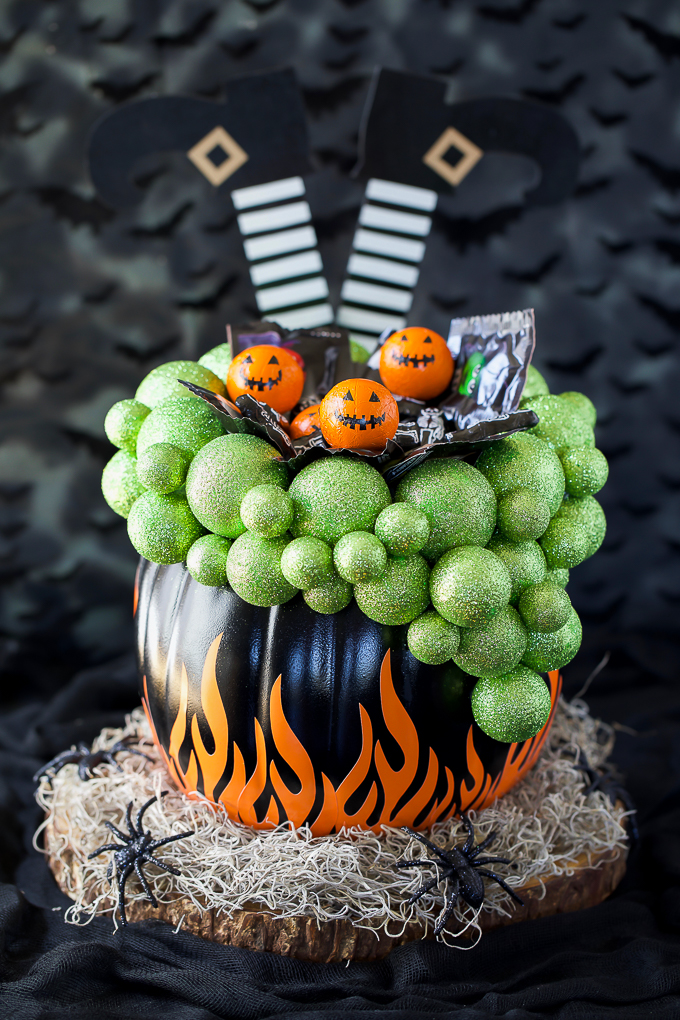 How to make a pumpkin candy holder