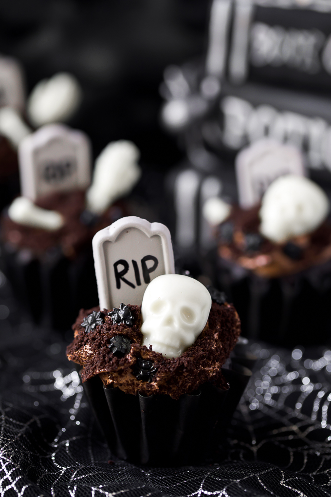 Easy Halloween cupcake recipe - chocolate tombstone graveyard dessert