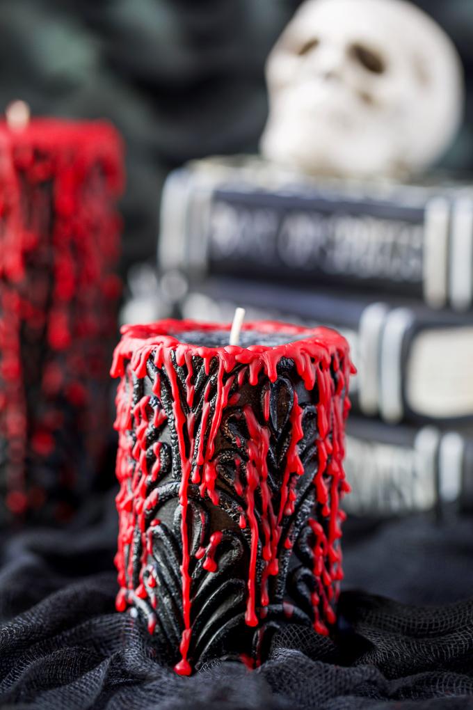 Black bleeding candles - Halloween decor
