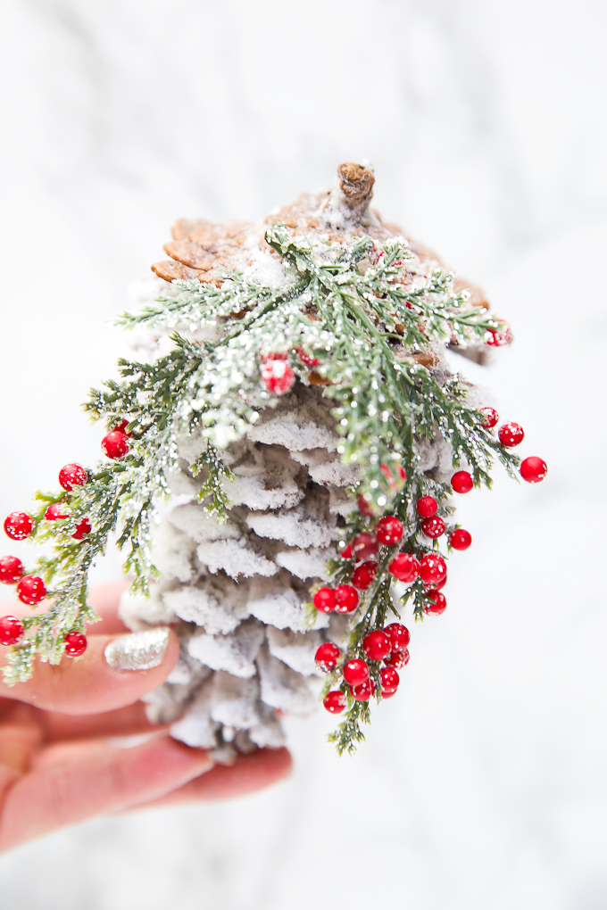 How to make a pinecone ornament - easy diy tutorial