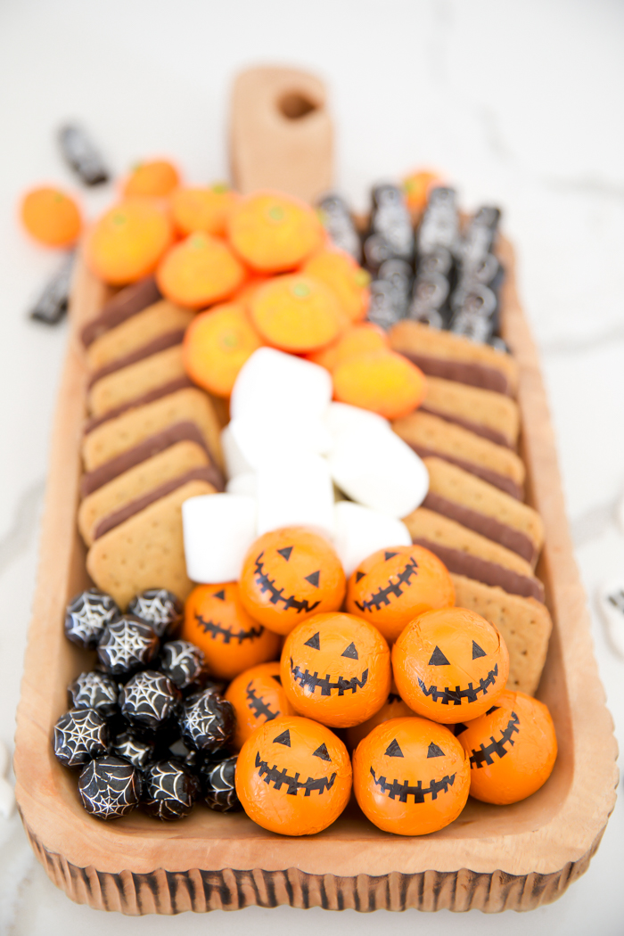 Halloween movie night s'mores tray