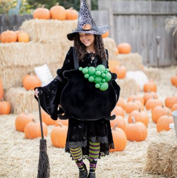 easy handmade no-sew Halloween witch costume with bubbling cauldron