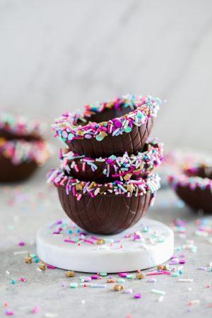 chocolate ice cream sundae bowls with sprinkles