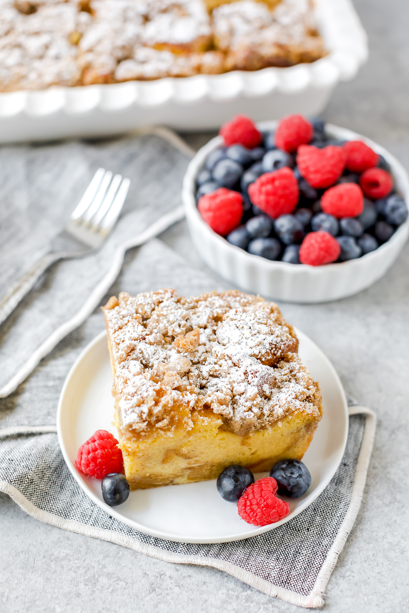 french toast casserole with cinnamon sugar topping